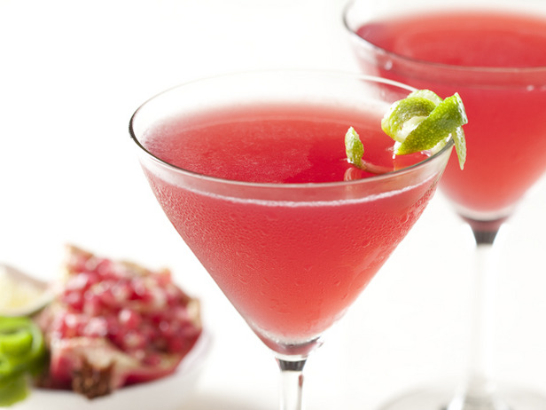 Pomegranate Cosmos (makes six drinks)
